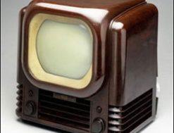 кто изобрел телевизор