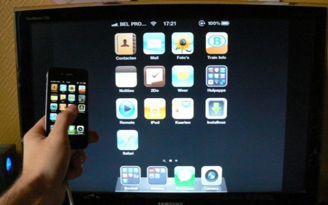 айфон подключен к телевизору